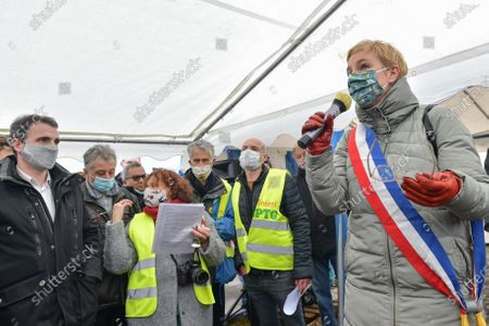 Rally to defend the agricultural land of the Triangle de Gonesse in the Val d'Oise, with Yannick Jadot, MEP EELV, Eric Piolle, Mayor EELV of Grenoble, Julien Bayou National Secretary of EELV, Clementine Autain Deputy Seine St Denis LFI, Aurelien Tache Deputy of Val d'Oise ex-LREM, Eric Coquerel, Deputy Seine St Denis LFI, organized by Collectif pour le triangle de Gonesse CPTG in the framework of CARMA project which ensures the agricultural vocation of the Triangle.