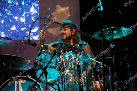 Drummer Mike Portnoy of American progressive rock group Flying Colors performing live on stage at the Ventura Theater in Ventura, California, on September 5, 2019. (Photo by Matt Quina/Prog Magazine)