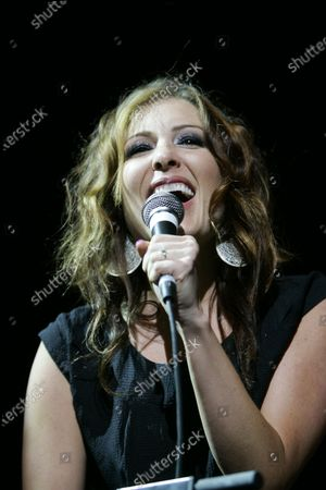 Sarah Buxton performs live in concert during Country Throwdown at the First Midwest Bank Amphitheatre in Tinley Park, Illinois