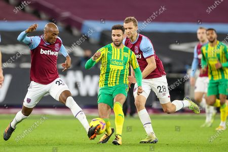 Angelo Ogbonna (21) of West Ham United battles with Hal Robson-Kanu (4) of West Bromwich Albion during the Premier League match between West Ham United and West Bromwich Albion at the London Stadium, London