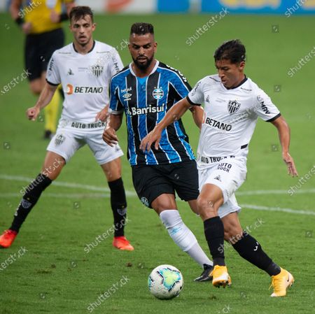 Maicon of Gremio and Alan Franco of Atlético Mineiro; Arena de Gremio, Porto Alegre, Brazil; Brazilian Serie A football, Gremio versus Atletico Mineiro.