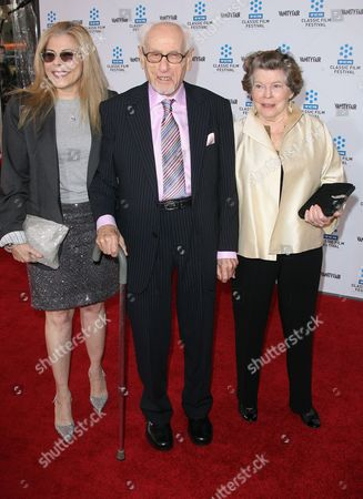Eli Wallach  and Anne Jackson with daughter Roberta Wallach