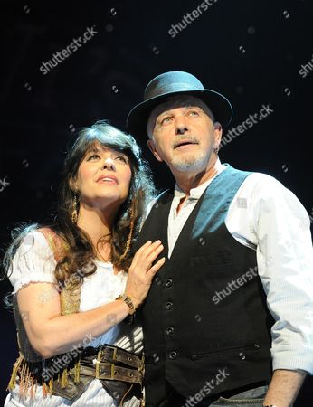 'All the Fun of the Fair' - Louise English (Rosa) and David Essex (Levi )