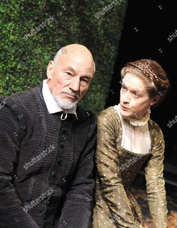 Stock Image of 'Bingo' - Patrick Stewart (William Shakespeare)and Catherine Cusack (Judith)