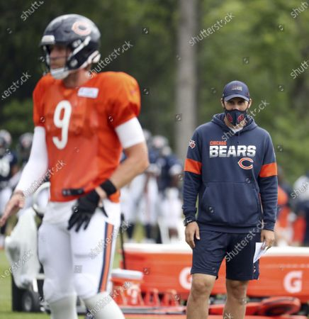 Chicago Bears quarterbacks coach Dave Ragone watches quarterback Nick Foles (9) during NFL football training camp at Halas Hall in Lake Forest, Ill. Arthur Smith, the new Atlanta Falcons coach, has started building his staff by hiring offensive coordinator Dave Ragone, defensive coordinator Dean Pees and special teams coach Marquice Williams