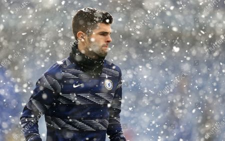 Christian Pulisic of Chelsea  warms up during snow downfall