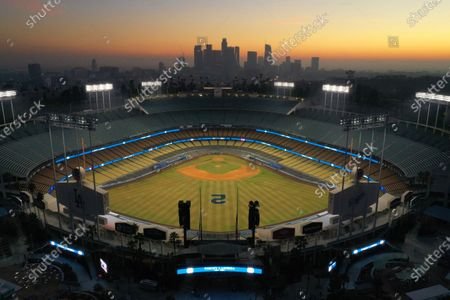 Los Angeles, California-Jan. 8, 2021-Dodger Stadium is lite up tonight in honor of the passing of Hall of Fame Los Angeles Dodger manager Tommy Lasorda, who passed away at the age of 93. (Carolyn Cole / Los Angeles Times)