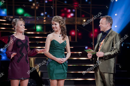 Jenny Douglas and Emilie Flemming with Graham Norton.