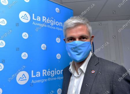 Laurent Wauquiez, President of the Auvergne-Rhone-Alpes region went to Villefontaine to meet with the municipal police.