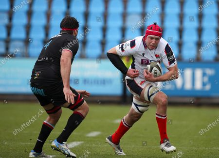 Grant Gilchrist - Edinburgh Rugby lock takes on opposite number David Sisi (4).
