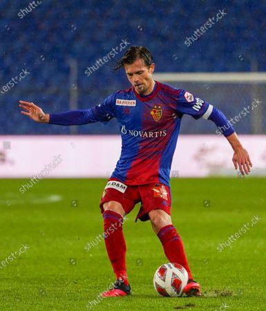 # 14 Valentin Stocker (Basel) in action