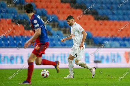 # 21 Blerim Dzemaili (Zurich) versus FC Basel Defense