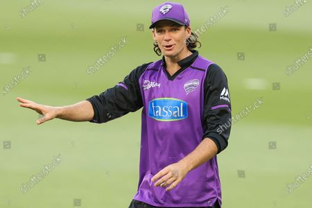 Peter Handscomb of the Hobart Hurricanes warms up during the Hobart Hurricanes vs Sydney Sixers  T20 Big Bash League match at Melbourne Cricket Ground, Melbourne