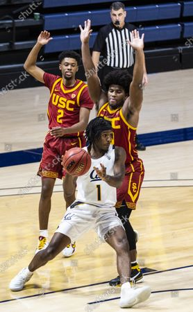 Berkeley, CA U.S.A. California guard Joel Brown (1)looks to pass the ball during the NCAA Basketball game between USC Trojans and the California Golden Bears 68-76 lost at Hass Pavilion. Thurman James / CSM