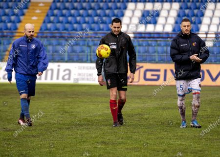 """Referee Andrea Colombo today, after a couple of inspections on the heavy turf reduced to a paddy field due to the rain that continues to fall on the city of Campania, decided not to start the match at the Marcello Torre stadium. The last check at 15.25, carried out in the company of the captains Silvestri (Catania) and Sirignano (Paganese) The match at the """"Marcello Torre"""" stadium was not played today, valid for the 20th day of group C of Serie C pushed the referee to send everyone back to the locker room."""