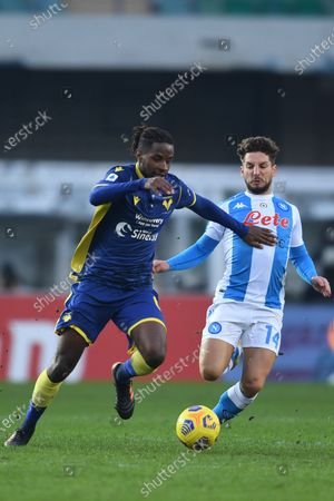 "Adrien Tameze (Hellas Verona)Dries Mertens (Napoli)           during the Italian ""Serie A  match between Hellas Verona 3-1 Napoli at  Marcantonio Bentegodi Stadium on January 24 , 2021 in Verona, Italy."