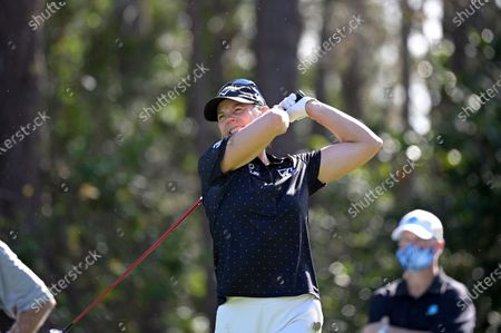 Annika Sorenstam, of Sweden, reacts to her tee shot on the second hole during the final round of the Tournament of Champions LPGA golf tournament, in Lake Buena Vista, Fla