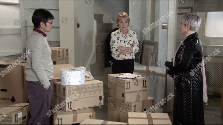 Stock Photo of Coronation Street - Ep 10231 Monday 25th January 2021 - 1st Ep Debbie Webster, as played by Sue Devaney, swears blind that she didn't know anything about the bribery or the assault on Fay. Also Pictured - Sally Metcalfe, as played by Sally Dynevor ; Yasmeen Nazir, as played by Shelley King.