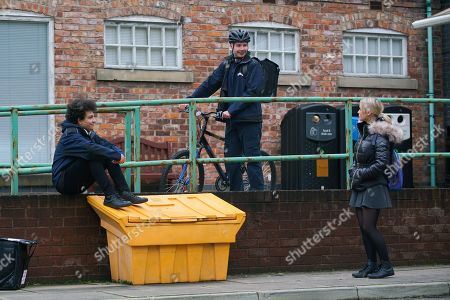 Coronation Street - Ep 10238 Monday 1st February 2021 - 2nd Ep When Simon Barlow, as played by Alex Bain, enthuses about his new work mate Jacob Ray, as played by Jack James Ryan, Kelly Neelan, as played by Millie Gibson, keeps her counsel.