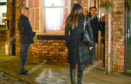 Coronation Street - Ep 10234 Wednesday 27th January 2021 - 2nd Ep Carla Connor, as played by Alison King, implores Peter Barlow, as played by Chris Gascoyne, to stop drinking and prove to Simon how much he loves him but Peter storms off. Also pictured Ken Barlow, as played by William Roache.