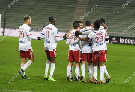 Memphis Depay celebrate scoring Olympique Lyonnais