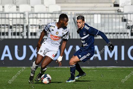 Lassana Coulibaly SCO Angers et Hatem Ben Arfa Match Ligue 1 Uber Eats Girondins de Bordeaux vs SCO Angers Stade Matmut Atlantique Bordeaux 24 janvier 2021