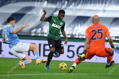 Patric of Lazio, Hamed Junior Traore of Sassuolo, Pepe Reina of Lazio, SS Lazio US Sassuolo, Serie A