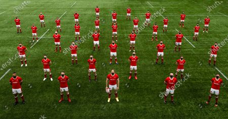 (Front Row L-R) Taulupe Faletau, Dan Biggar, Alun Wyn Jones, Ken Owens, Justin Tipuric, 