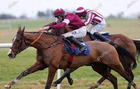 The W.T. O`Grady Memorial Irish EBF Novice Hurdle. Jack Kennedy onboard Torygraph comes home to win ahead of Paul Townend onboard Fighter Allen