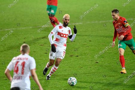 Standard's Mehdi Carcela fights for the ball during a soccer match between KV Oostende and Standard de Liege, Thursday 28 January 2021 in Oostende, on day 22 of the 'Jupiler Pro League' first division of the Belgian championship.