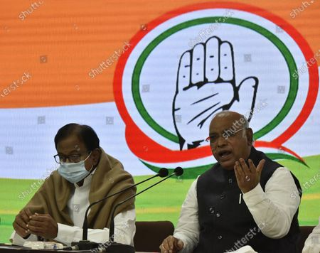 Former finance minister and Rajya Sabha MP P Chidambaram, along with congress leader Mallikarjun Kharge Special Congress Party briefing on the Mismanagement of Economy by the center Government and Congress Party expectations from the Budget, at Congress HQ, Akbar Road  on January 28, 2021 in New Delhi, India.