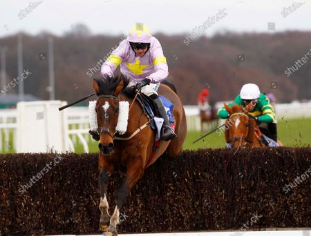 Takingrisks and Sean Quinlan win the Sky Bet Handicap Chase at Doncaster from Aye Right and One For The Team.30/1/2021 Pic Steve Davies