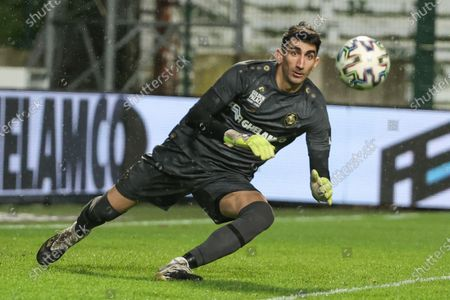 Antwerp's goalkeeper Alireza Beiranvand pictured in action during a soccer match between Royal Antwerp FC and Waasland-Beveren, Friday 29 January 2021 in Antwerp, on day 23 of the 'Jupiler Pro League' first division of the Belgian championship.