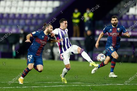 "(L-R) Gaston Silva (Huesca), Sergi Guardiola (Valladolid) - Football / Soccer : Spanish ""La Liga Santander"" match between Real Valladolid 1-3 SD Huesca at the Estadio Municipal Jose Zorrilla in Valladolid, Spain."