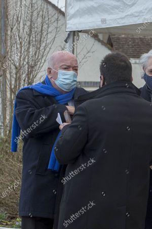 Cepoy Obseques du cascadeur Remy Julienne a Cepoy mort le 21 janvier des suites du Covid-19 a l age de 90 ans. Jean-Pierre Door, depute du Loiret.