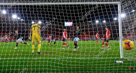 Aston Villa's Ross Barkley (L) celebrates after scoring the 0-1 goal past Southampton goalkeeper Alex McCarthy (C) during the English Premier League soccer match between Southampton FC and Aston Villa in Southampton, Britain, 30 January 2021.