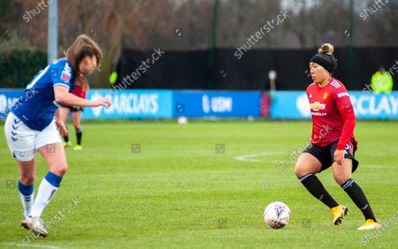 Lauren James (#16 Man Utd) on the ball
