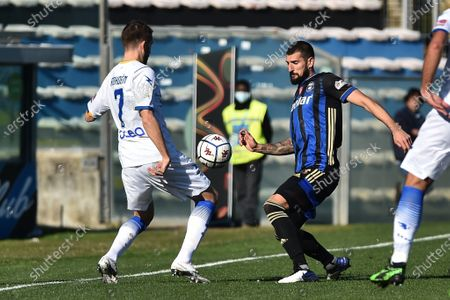 Marcus Rohden (Frosinone) and Eros Pisano (Pisa) fight for the ball