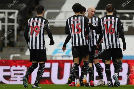 Newcastle United's Jonjo Shelvey (2nd R) celebrates scoring the 1-0 goal with his team-mates during the English Premier League soccer match between Newcastle United and Crystal Palace in Newcastle, Britain, 02 February 2021.