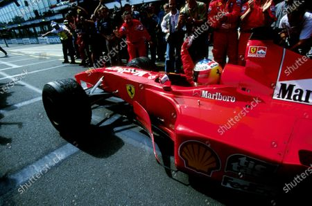 First Australian GP win for Michael Schumacher(GER) Ferrari F1 2000Australian GP, Melbourne, 12 March 2000