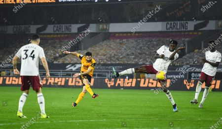 Joao Moutinho of Wolverhampton Wanderers scores 2-1