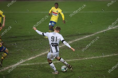 Charleroi's Lukasz Teodorczyk scores the 1-0 goal at a soccer game between Sporting Charleroi (1A first division) and KVC Westerlo (1B second division), Wednesday 03 February 2021 in Charleroi, in the 1/16 finals of the 'Croky Cup' Belgian cup.
