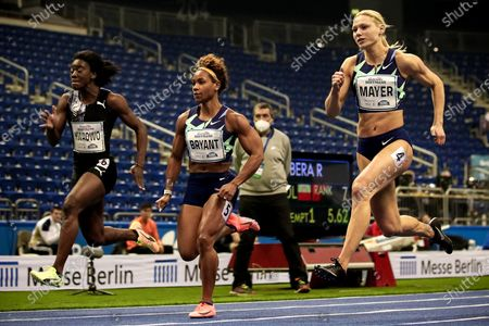 (L-R) Yasmin Kwadwo of Germany, Dezerea Bryant of the USA and Lisa Mayer of Germany compete in the women's 60m heats at the ISTAF Indoor international athletics meeting in Berlin, Germany, 05 February 2021.