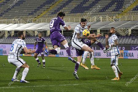 "Stefan De Vrij  (Inter)Dusan Vlahovic (Fiorentina)Alessandro Bastoni (Inter)Arturo Vidal (Inter)          during the Italian ""Serie A"" match between Fiorentina 0-2 Inter  at  Artemio Franchi Stadium in Florence, Italy."