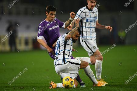 "Lucas Martinez Quarta (Fiorentina)Arturo Vidal (Inter)Alessandro Bastoni (Inter)           during the Italian ""Serie A"" match between Fiorentina 0-2 Inter  at  Artemio Franchi Stadium in Florence, Italy."