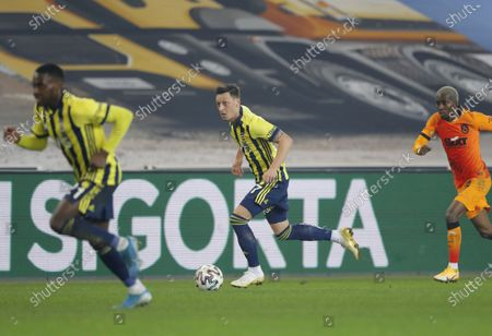 Mesut Oezil (C) of Fenerbahce in aciton during the Turkish Super League soccer match between Fenerbahce and Galatasaray in Istanbul, Turkey, 06 February 2021.