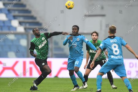 "Pedro Obiang (Sassuolo)Emmanuel Gyasi (Spezia)Manuel Locatelli (Sassuolo)Matteo Ricci (Spezia)           during the Italian ""Serie A"" match between Sassuolo 1-2 Spezia  at  Mapei Stadium in Reggio Emilia, Italy."