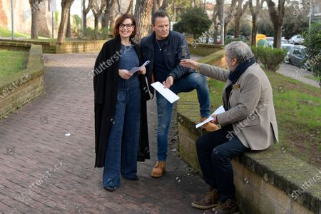 Simona Borioni, Enzo Salvi and Maurizio Mattioli with the scripts before shooting a short presentation of the new Pizza Girls series which will be broadcast on LA5 starting from February 15th in homage to the female figure.