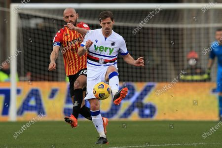 Adrien Silva (Sampdoria) in action during the Serie A match between Benevento Calcio and UC Sampdoria at Stadio Comunale Ciro Vigorito