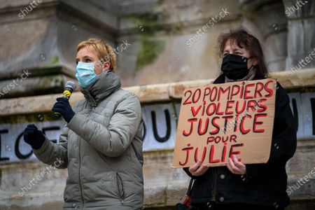 "Clementine Autain spoke. Dozens of people gathered this Sunday at Place Saint-Michel to demand ""Justice for Julie""."